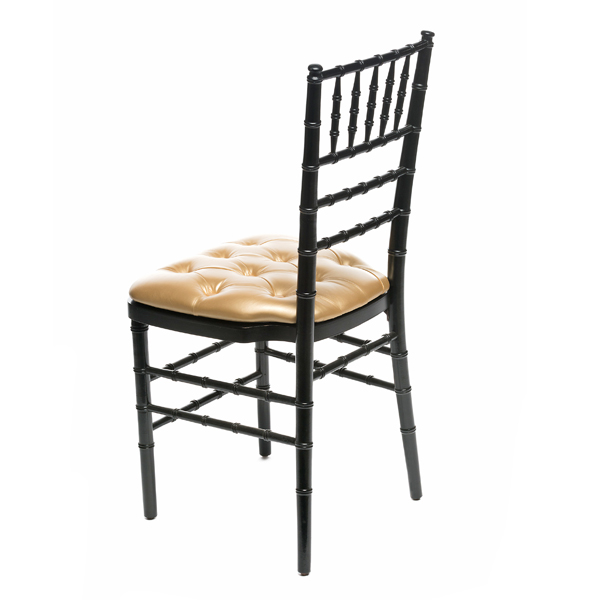 GOLD TUFTED CHAIR PAD W/ BLACK CHIAVARI CHAIR