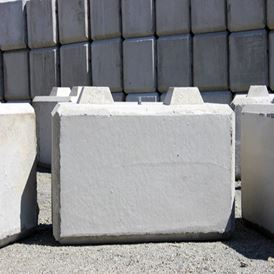 CONCRETE BLOCK BARRIER